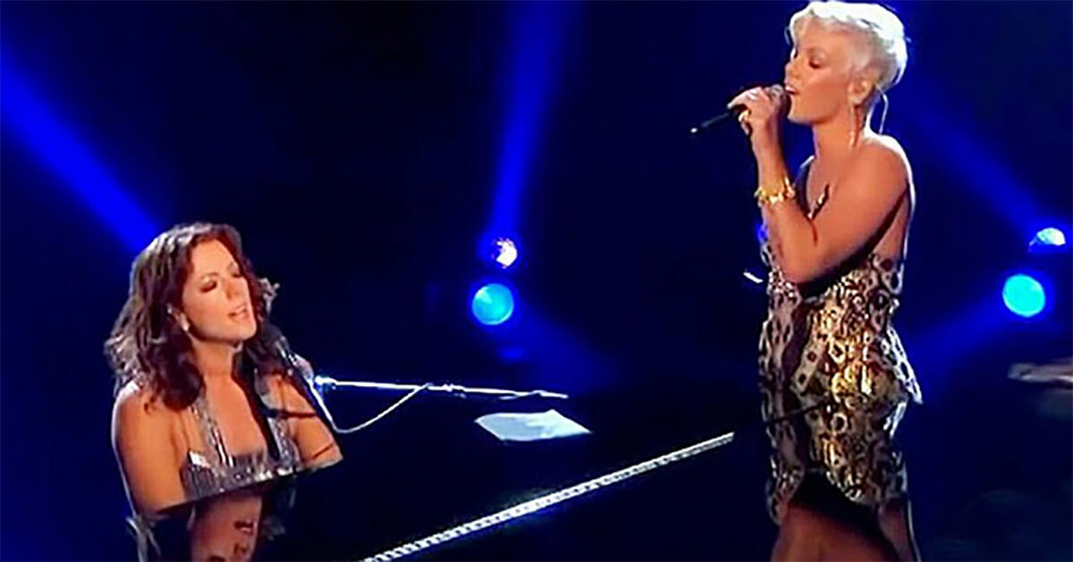 sarah mclachlan and pink s stunning duet leaves audience screaming